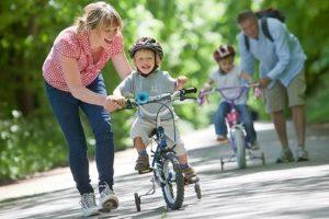 Как научить ребенка кататься?