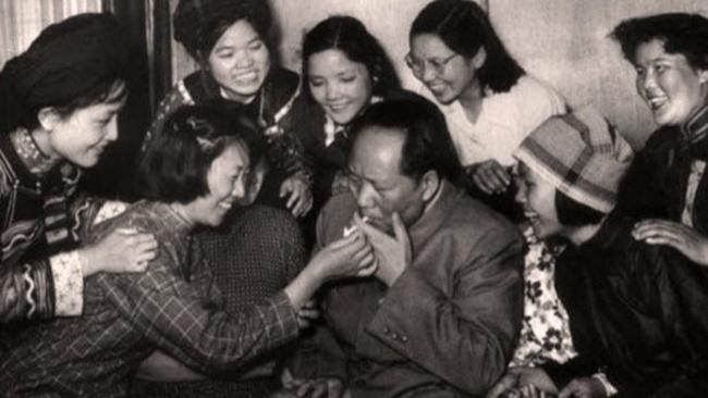 Женщины и Мао