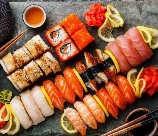Японская техника обжарки еды со сладким соусом